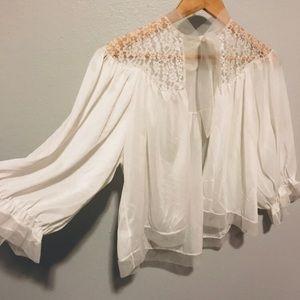 Vintage silky tie neck blouse 🌿
